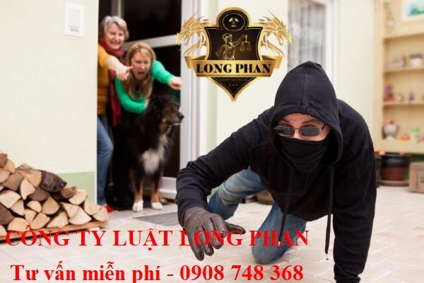 Làm gì khi phát hiện có trộm đột nhập vào nhà?